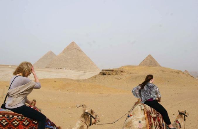 egyptcairousoncamels